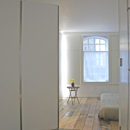 trendy-apartment-design-london-adelto_06-910x910