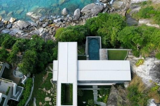 Villa-Amanzi-111-674x1100-910x607