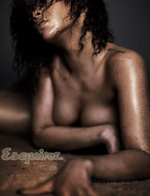 Rihanna-Esquire-06-h-20111013