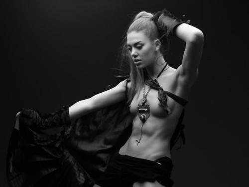 Alicia-2011-30ii-02